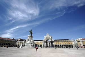 La Plaza del Comercio es el punto clave de Lisboa, donde antiguamente estaba situado el Palacio Real antes del terremoto.